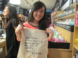 A happy Felicia with her autographed tote.