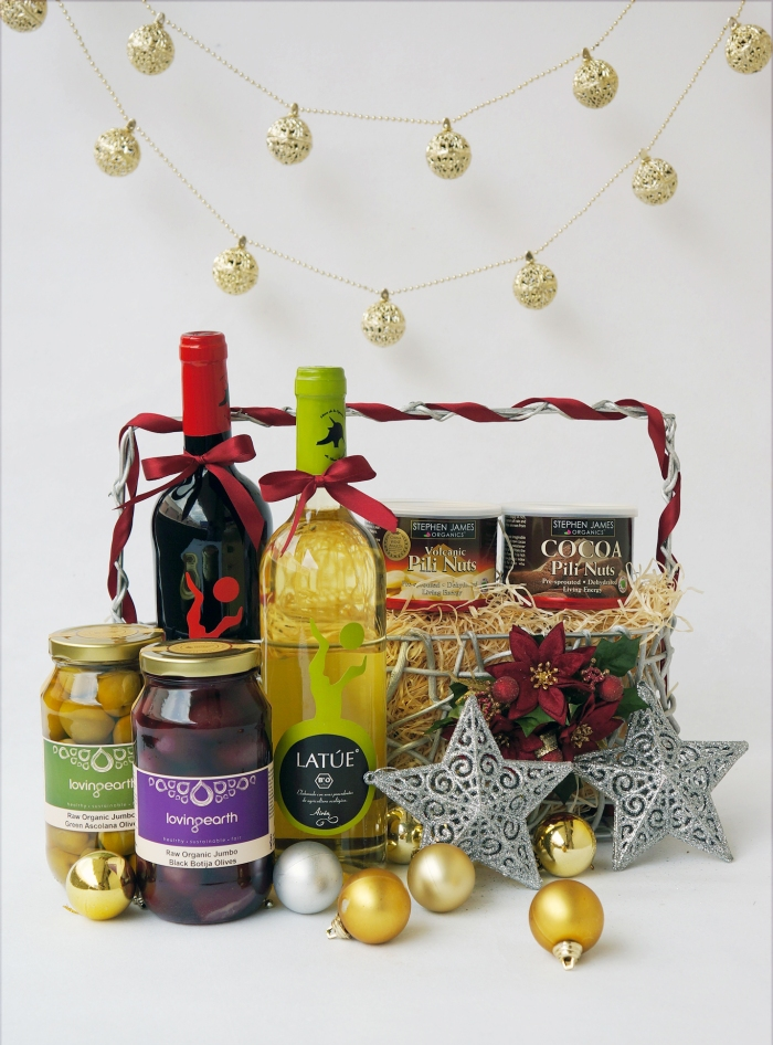 SGVegan_Organic Wine and Snack Hamper